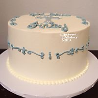 Buttercream blue cross and piping _1