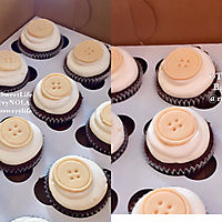 Cupcakes with Button topper _1